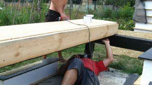 prikruchivanie-samorezami-snizu-sip-panel