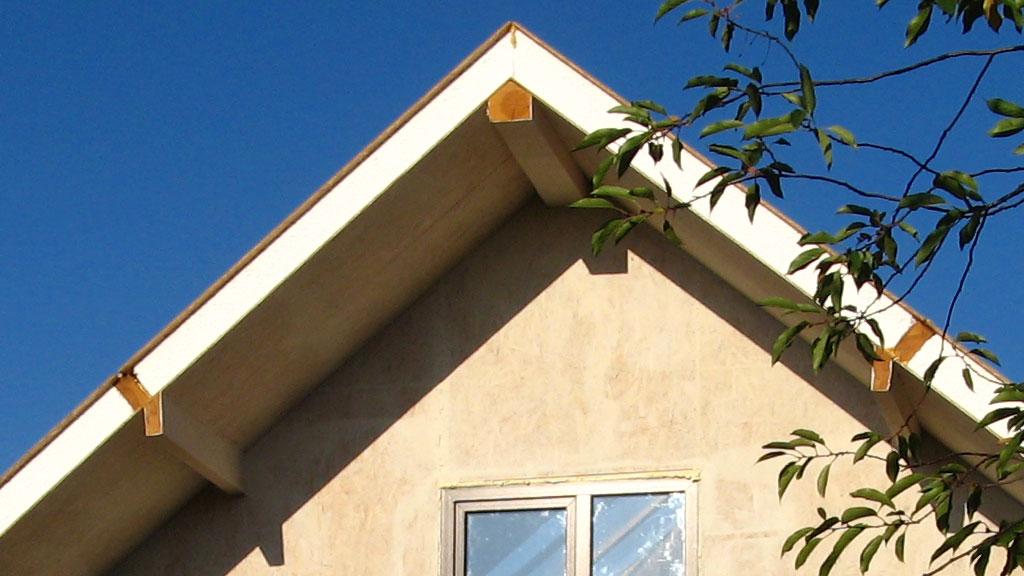 soedinenie-sip-panelei-na-konku-fasad